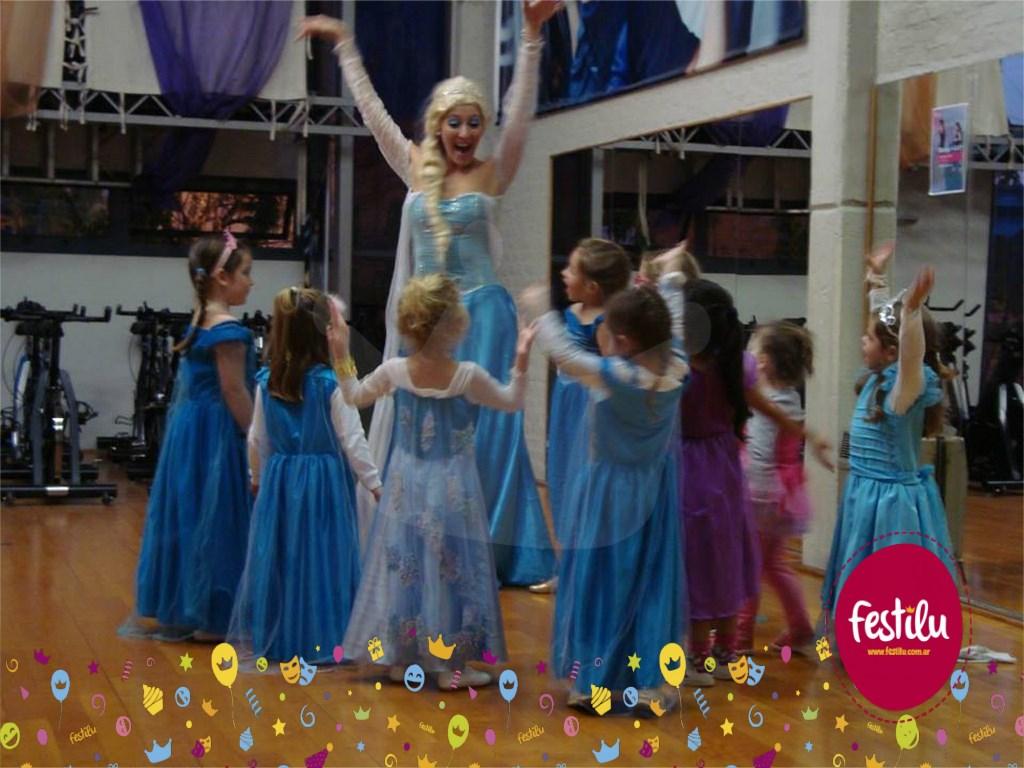 Elsa Congeló la Academia Fem Dance