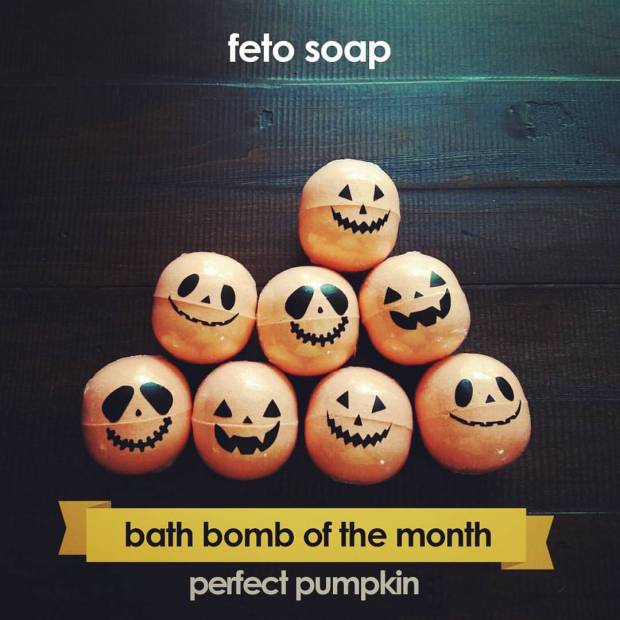 pumpkin-fizzy-bath-bombs