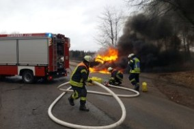 Fahrzeugbrand (1)