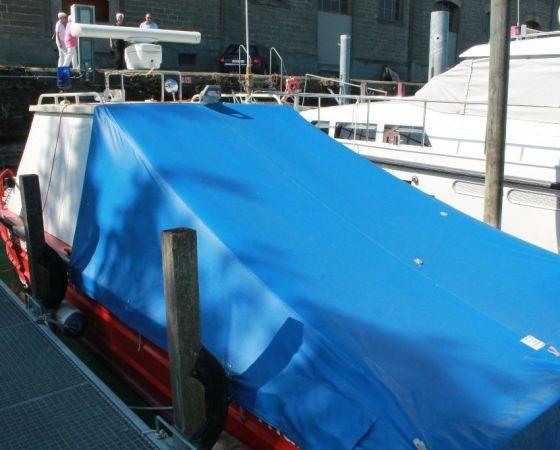 Ölwehr Boot