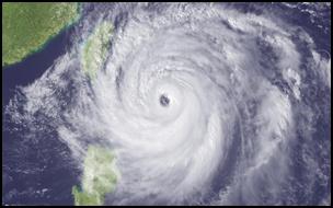 taifu18 【画像】台風を上空から見たら想像以上にビビる件!台風の驚異!台風の目