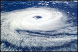 taifu21 【画像】台風を上空から見たら想像以上にビビる件!台風の驚異!台風の目