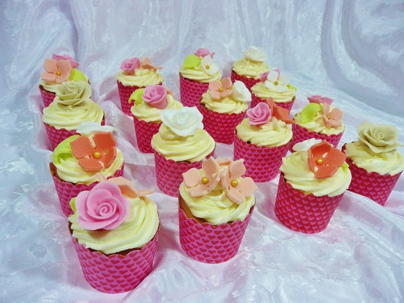 flowers-cupcakes-party