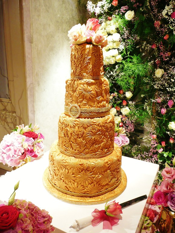 gold-wedding-cake-fia
