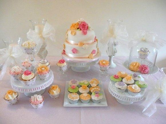 roses-petals-wedding-cake