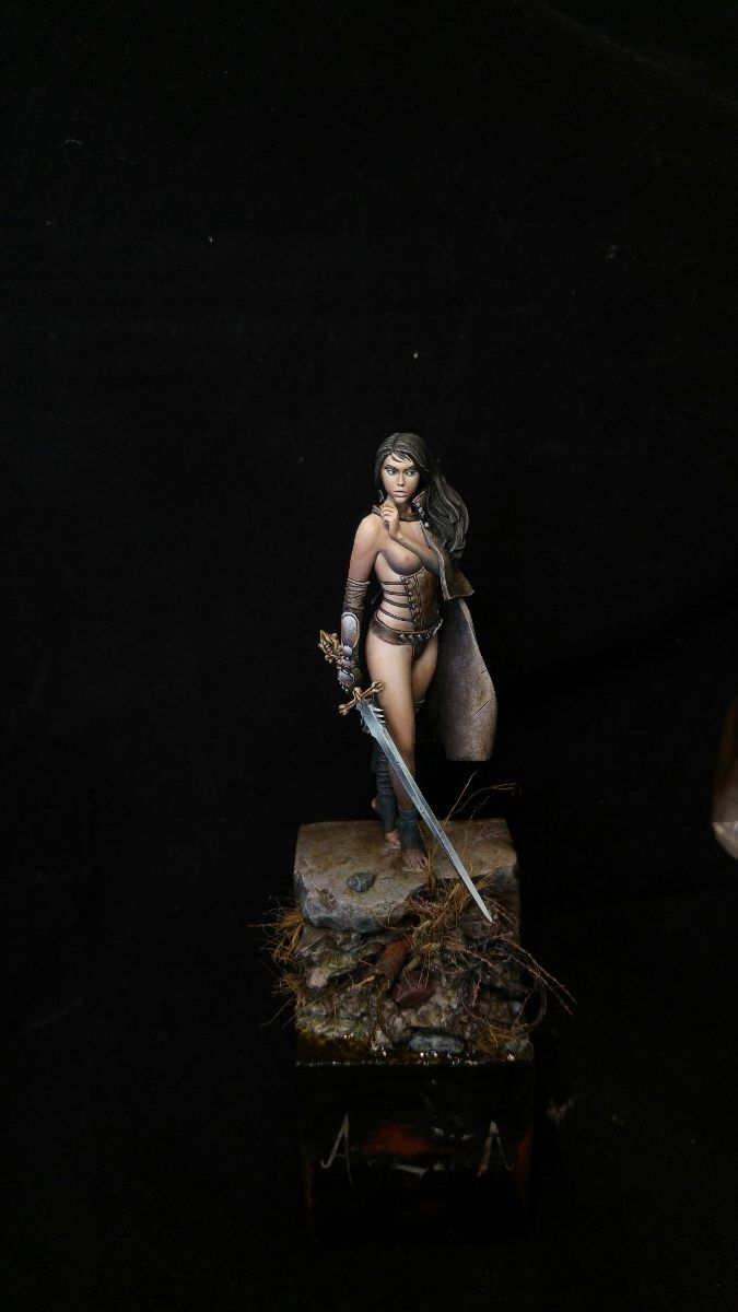 Some Thoughts on Painting Luz (Nocturna Models) by Fausto Palumbo