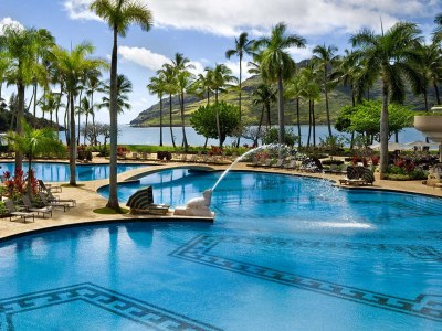 12 Most Gorgeous Hawaii Honeymoon Resorts (with Photos ...