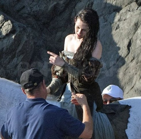 Kristen Stewart, Wet Dress, Snow White and the Huntsman 2012, Set 05