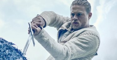 Charlie Hunnam King Arthur: Legend of the Sword