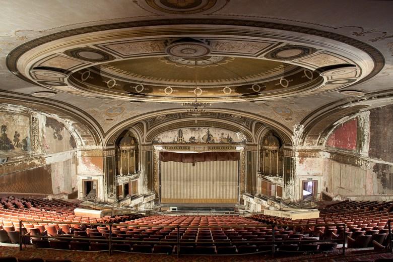 Loew's Majestic Theatre, Bridgeport, Connecticut