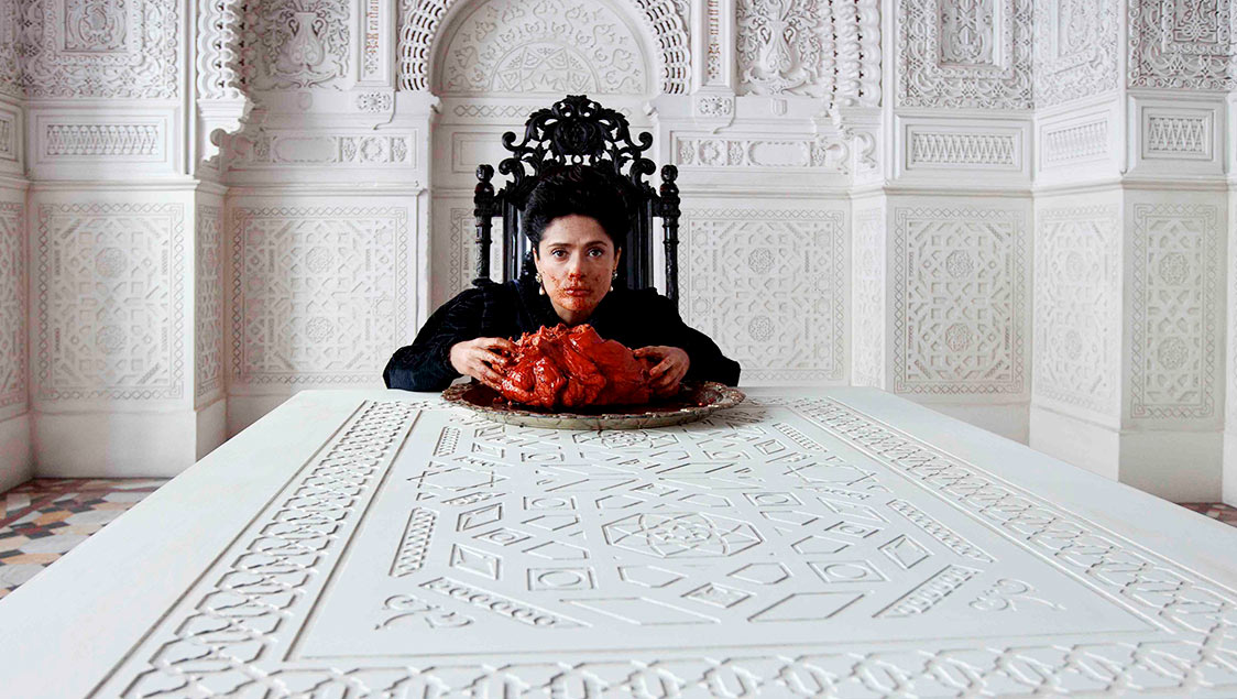 the-tale-of-tales-matteo-garrone-new-movie-official-photos-salma-hayek-04