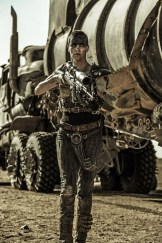 mad-max-fury-road-movie-theron-2