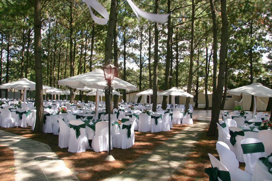 Jard n los pinos finca para recepciones santa b rbara for Capillas de velacion jardin de los pinos