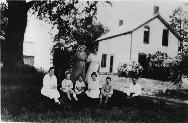 CLARKE Hugh Mary and children Virgil c1925