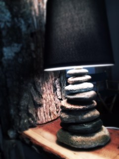 Hidden Cardinal Rock Lamp