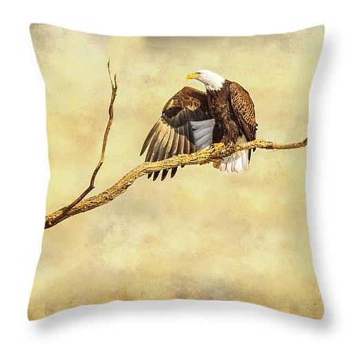 Majestic Eagle Point Throw Pillow