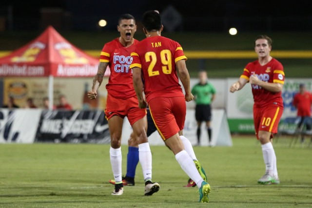 Long Tan celebrates his goal with Tyler Blackwood - ArizonaUnited.com / Michael Rincon