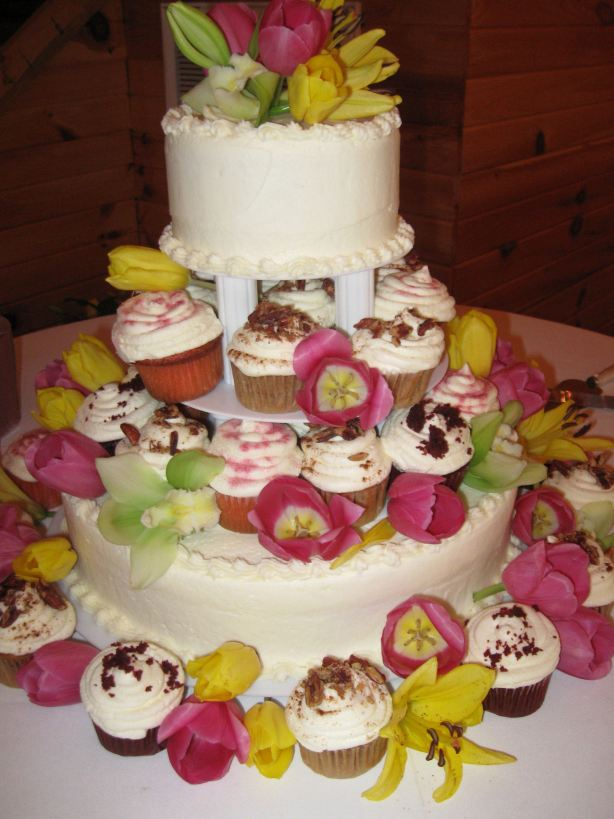 Cupcake with Tiered Cake