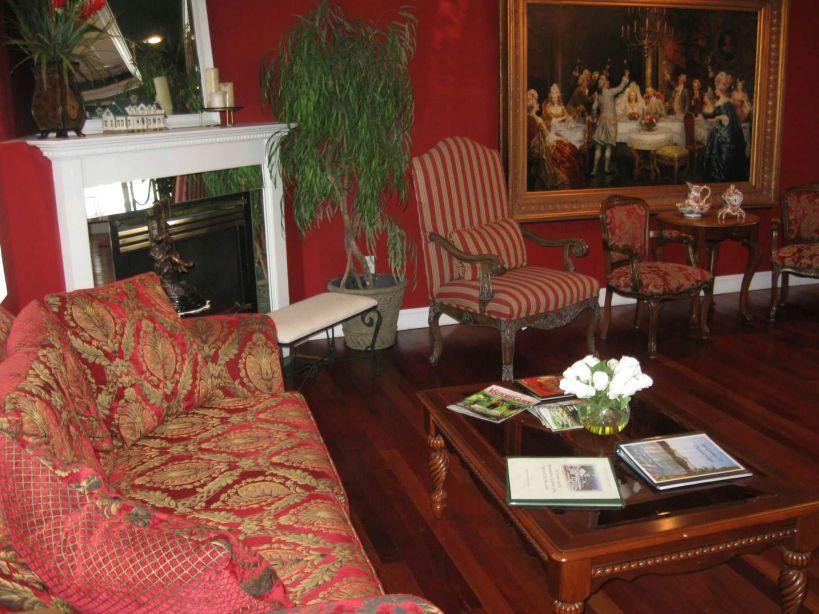 Mountain Harbor Inn Lobby