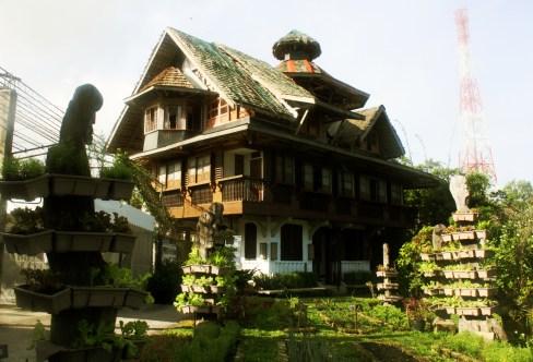 The Peñalosa Farms house, an identifiable landmark in Victorias City.