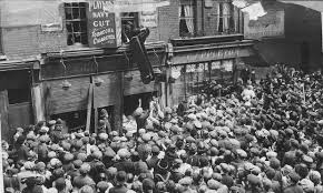 Anti-German riots in London 1915