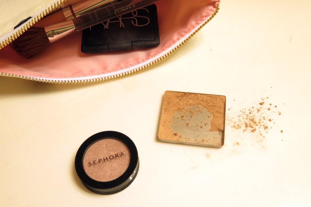 saving a cracked makeup compact