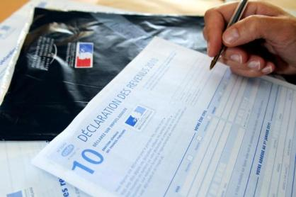 GUIDE IMPOT 2011 300x200 Fiscal News :  IRPP 2042C et 2042CK : Imprimés et guide impôts sur le revenu 2011