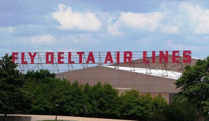 Delta Air Lines Sign