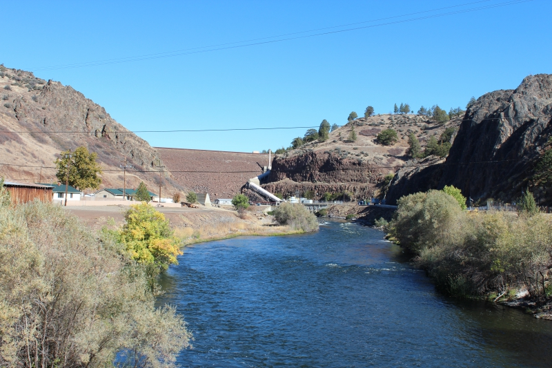 Feds, State And Tribes Sign Klamath Dam Removal Agreement