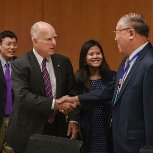 Governor Brown and Special Envoy on Climate Photo credit: Aaron Berkovich.  Zhenhua.