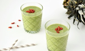 Groene smoothie; spinazie, ananas, appel, grapefruit