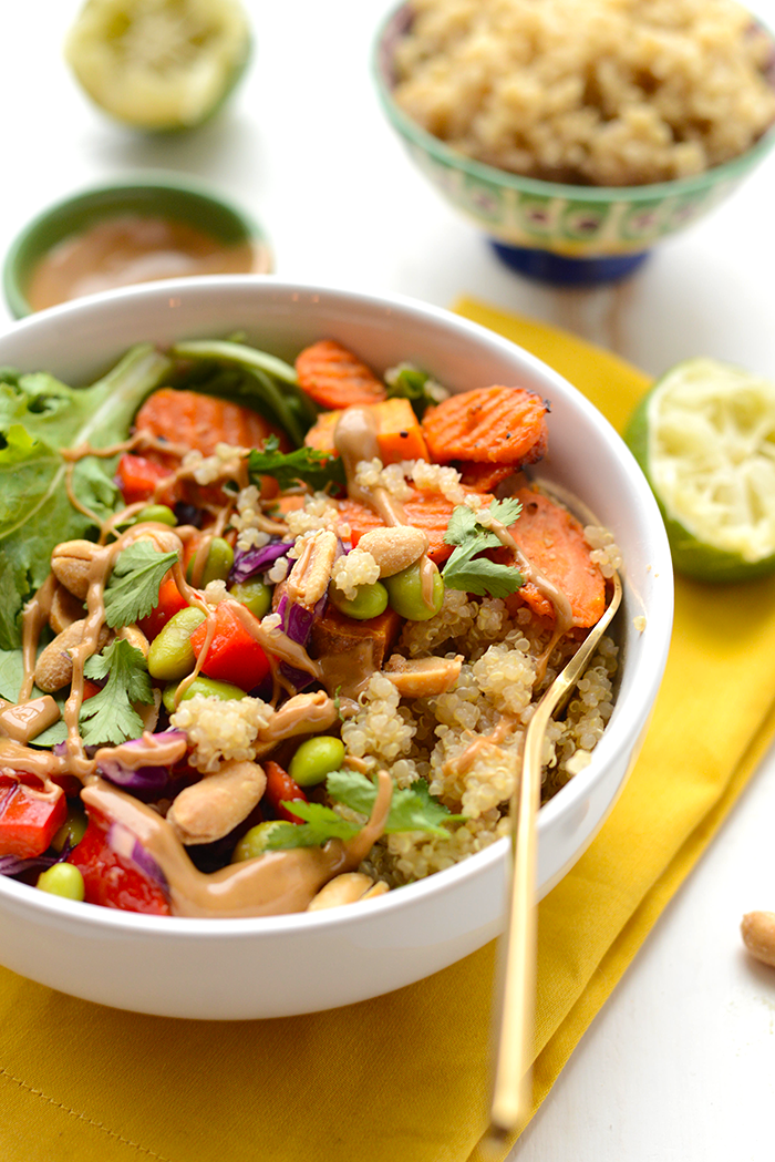 Thai Coconut Quinoa Bowls with a creamy peanut dressing...PLUS 20+ other amazing quinoa bowl recipes to try!