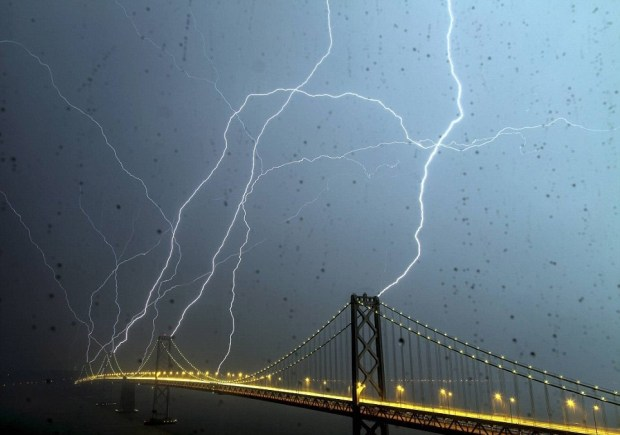 Stunning Lightning Strikes (3)