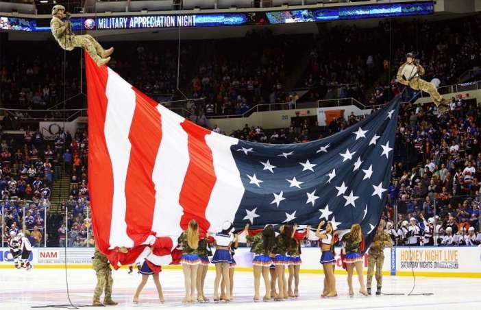 111114-NHL-Veterans-TV-G7.vnocropresize.940.529.medium.57