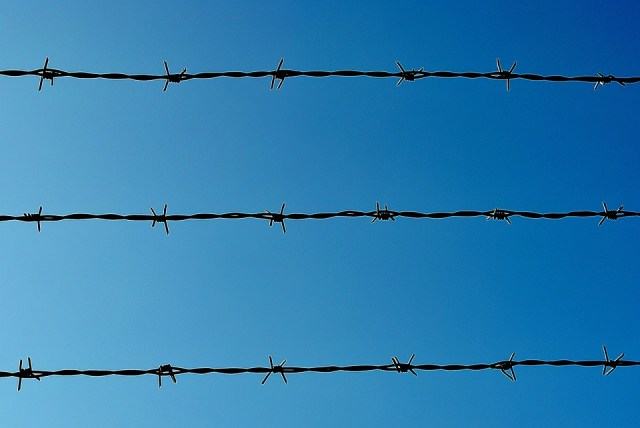 barbed-wire-280142_960_720