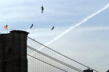 Flying-People-in-New-York-City-3