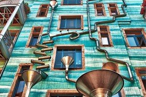 Musical-Rain-Gutter-Funnel-Wall-in-Dresden-Germany-3