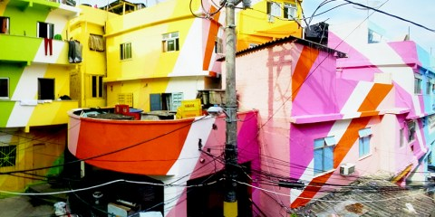 painting-an-entire-favela-in-rio-4