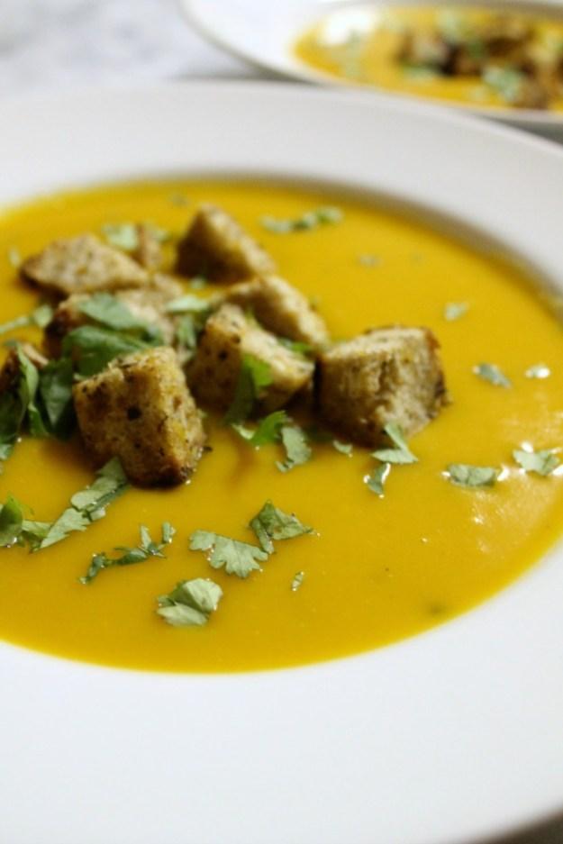 roasted garlic + kabocha squash soup
