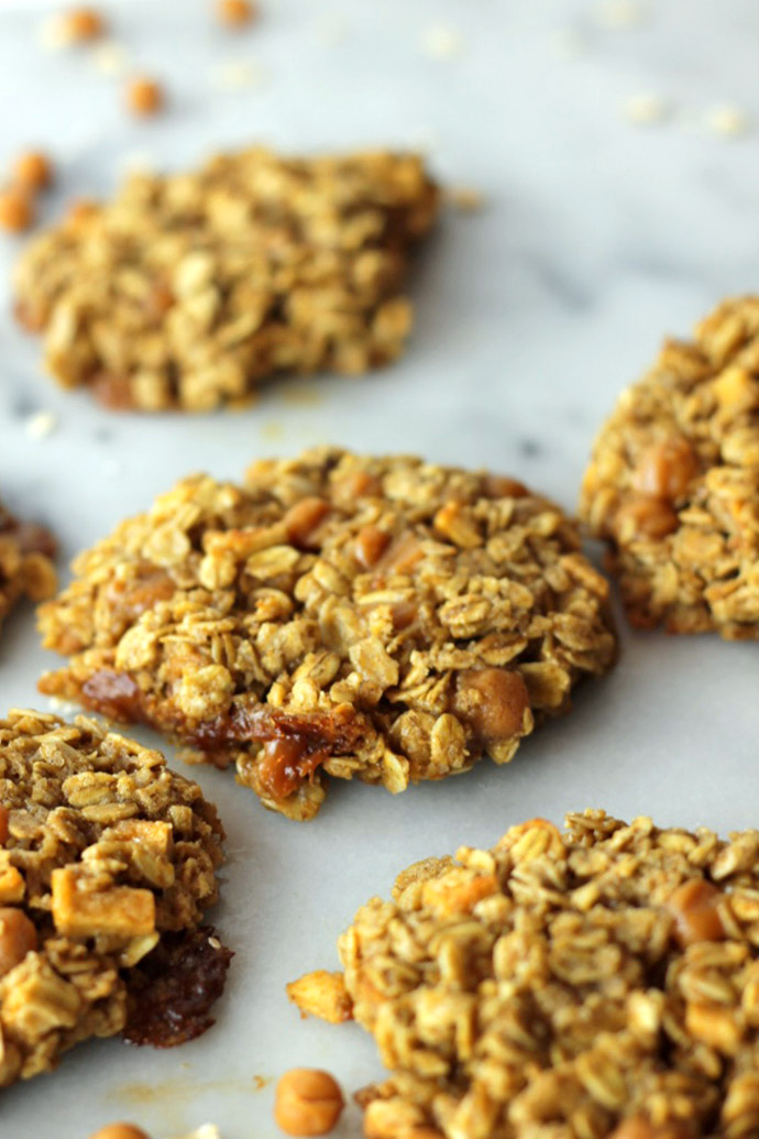 gluten free caramel apple oatmeal cookies
