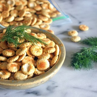 Dill Seasoned Oyster Crackers