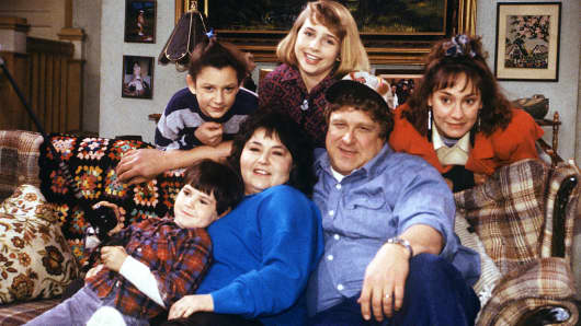 Roseanne  returning to ABC with Barr as star  Roseanne  returning to ABC with Barr as star