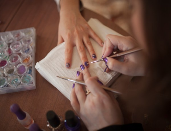 Anthea gets her nails done, a process that is very important for her state of well-being.