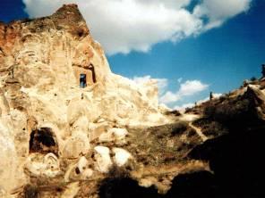 カッパドキアの岩山に登る
