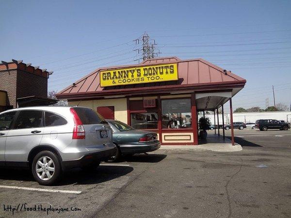 grannys-donuts-cookies-too