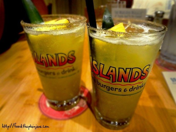 pineapple-infused-tequila-margaritas