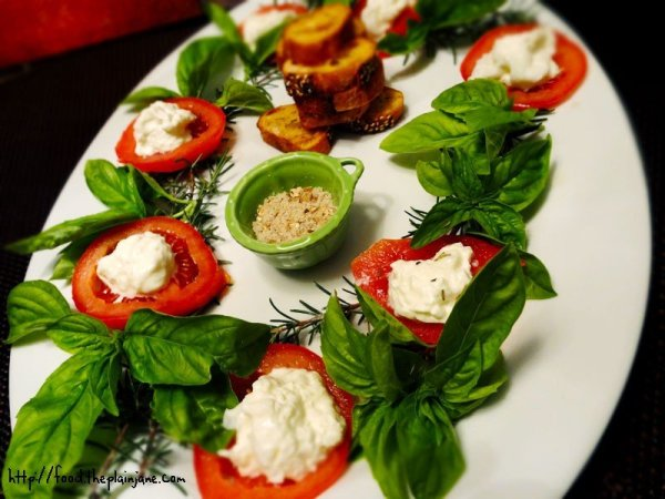 burrata-tomato-basil-rosemary-holiday-platter