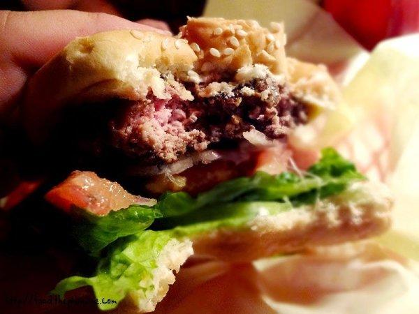 rockys-burger-bite