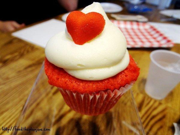 elizabethan-desserts-red-velvet-cupcake