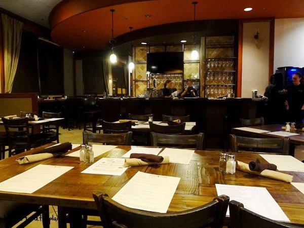 diningroom-peri-peri